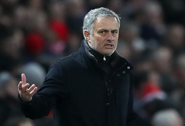 Mourinho bất ngờ chúc mừng Sevilla trong ngày MU muối mặt rời Champions League - Bóng Đá