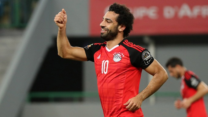 Carragher tiên đoán về tương lai của Shaqiri và Salah tại Liverpool - Bóng Đá