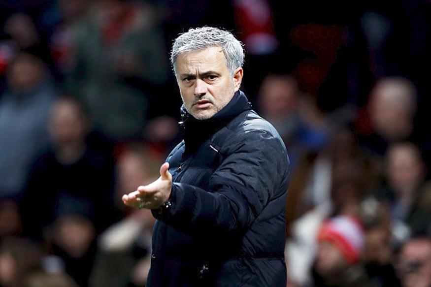 Jose Mourinho gửi lời cảnh báo đến các học trò sau trận thắng Young Boys - Bóng Đá