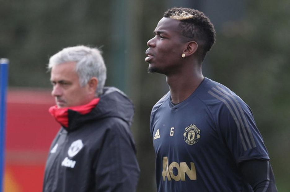 Xác định cái tên thứ 6 muốn đẩy Mourinho ra khỏi Man Utd (Valencia) - Bóng Đá