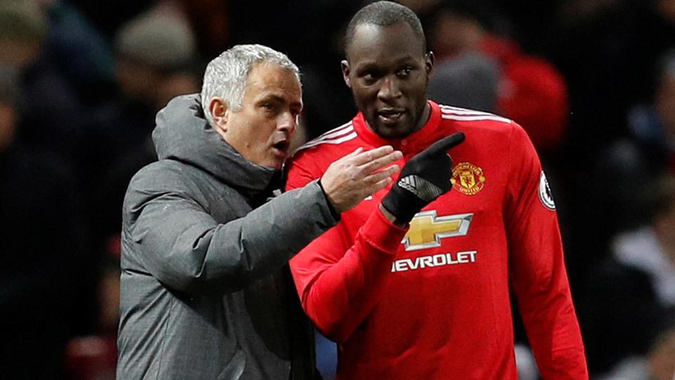 Lukaku tiết lộ phản ứng của Mourinho trong giờ nghỉ trận thắng Newcastle - Bóng Đá