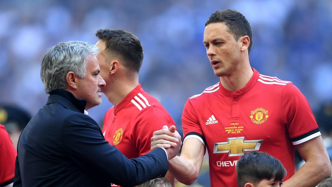 trong khủng hoảng, Mourinho tìm ra cái tên giải cứu hàng thủ Man Utd (Matic) - Bóng Đá