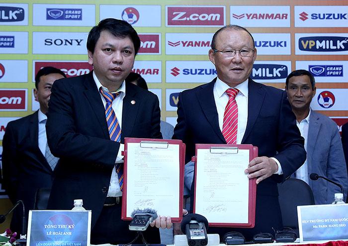 VFF lên tiếng về việc gia hạn hợp đồng với HLV Park Hang-seo - Bóng Đá