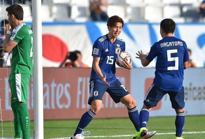 Xác định cái tên Việt Nam vào top 10 cầu thủ xuất sắc vòng 1 Asian Cup (Quang Hải) - Bóng Đá