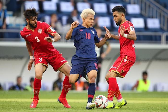 Quế Ngọc Hải lọt top 10 cầu thủ xuất sắc nhất lượt trận 2 vòng bảng Asian Cup 2019 - Bóng Đá