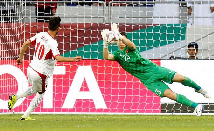 Truyền thông Anh đồng loạt dành lời khen cho 1 tuyển thủ Việt Nam sau trận Jordan (Văn Lâm) - Bóng Đá