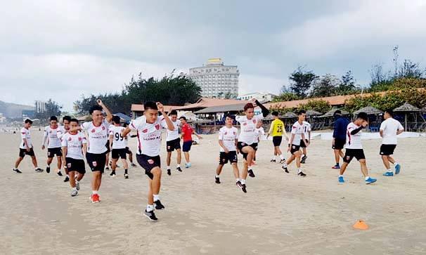 CLB Long An rèn quân xa nhà, sẵn sàng cho Hạng Nhất 2019 - Bóng Đá