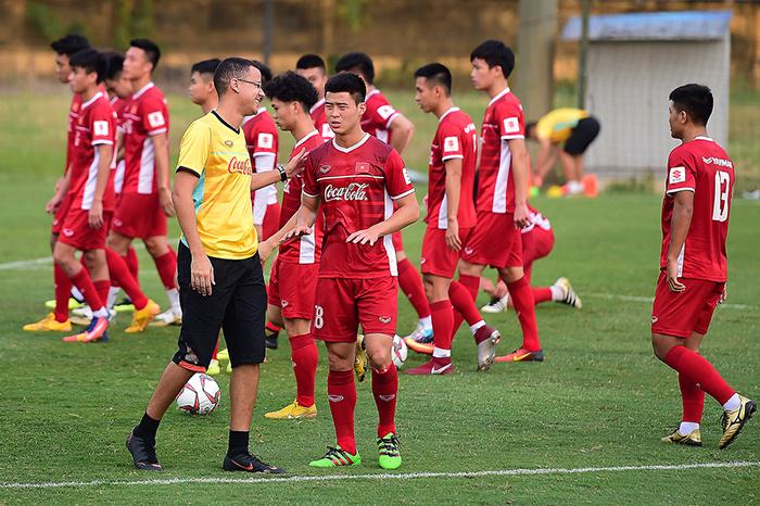 VFF ráo riết tìm HLV thể lực mới cho U23 Việt Nam - Bóng Đá