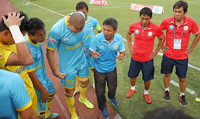 Sanna Khánh Hoà lận đận ở V-League 2019: Khi Ngựa ô mắc cạn! - Bóng Đá