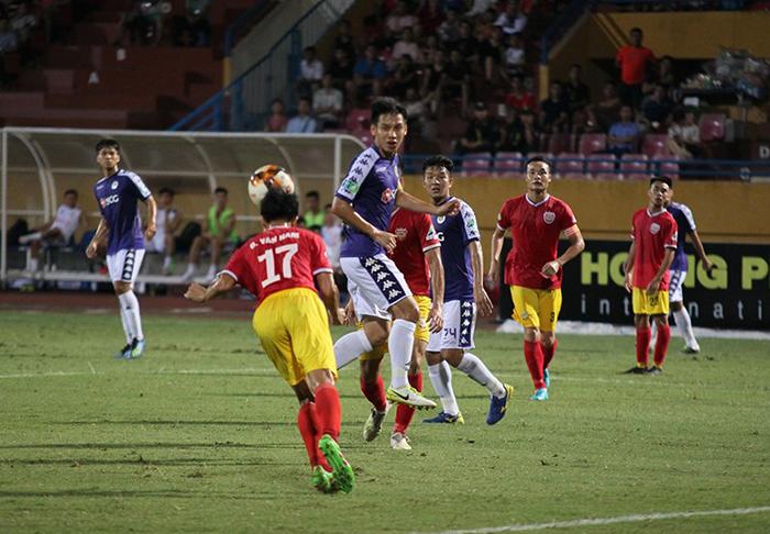 TRỰC TIẾP CLB Hà Nội 1-0 Hồng Lĩnh Hà Tĩnh (H1): Văn Dũng mở điểm - Bóng Đá