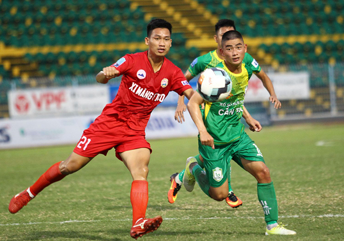 Ngô Hồng Phước toả sáng mang về chiến thắng cho An Giang trước Đắk Lắk - Bóng Đá