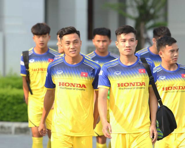 Thấy gì từ danh sách 19 cầu thủ U22 Việt Nam được thầy Park triệu tập? - Bóng Đá