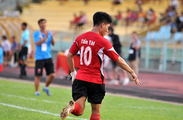 Huỳnh Tấn Tài dẫn đầu danh sách vua phá lưới: Cỗ máy ghi bàn đích thực - Bóng Đá