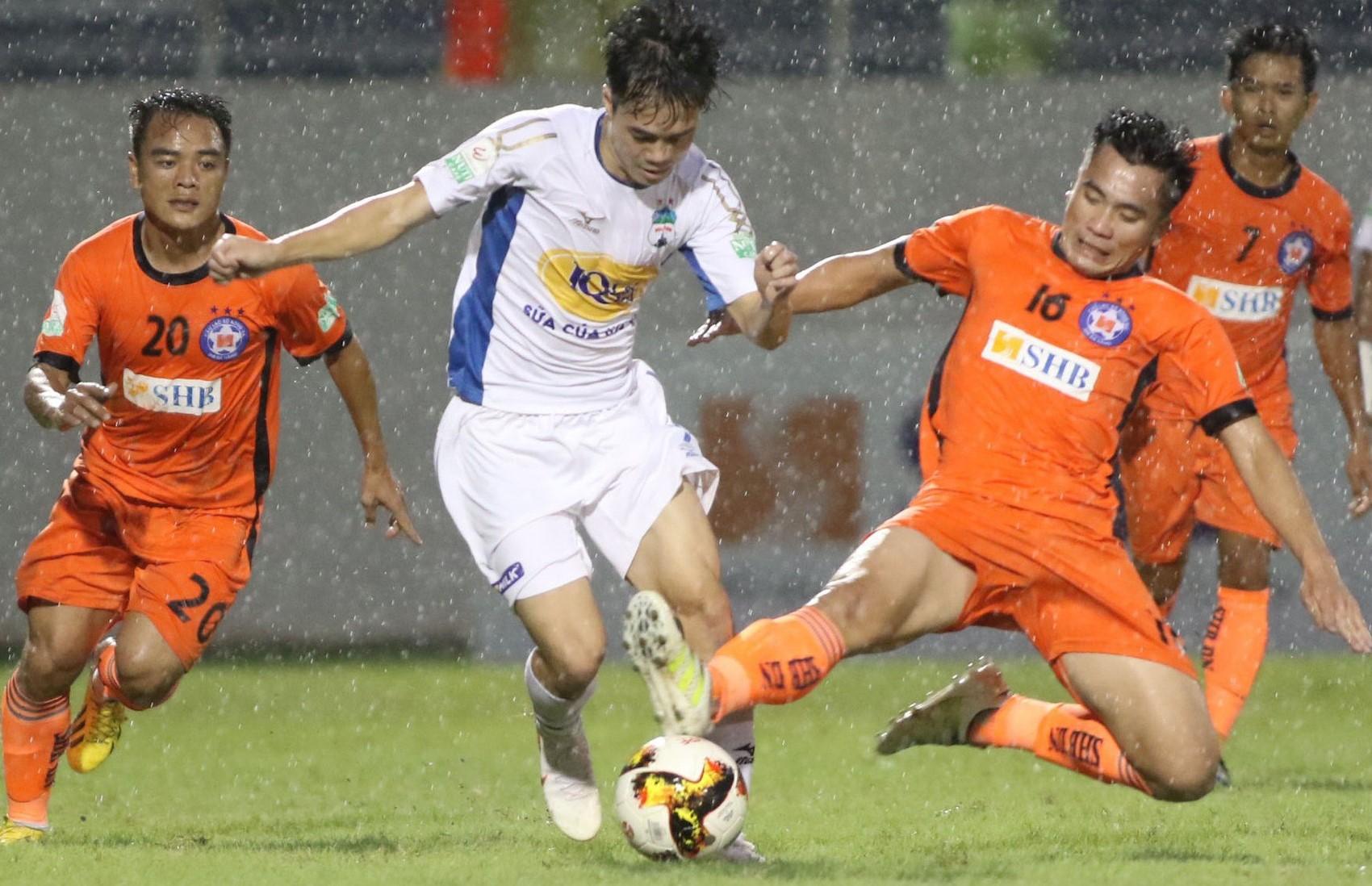 TRỰC TIẾP HAGL 0-0 SHB Đà Nẵng (Hiệp 1): Minh Vương bỏ lỡ 2 cơ hội ngon ăn - Bóng Đá