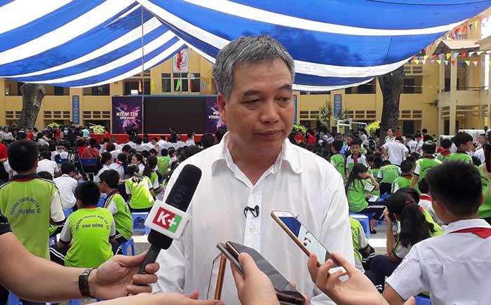 Sếp lớn CLB Hà Nội nhận án kỷ luật sau sự cố pháo sáng sân Hàng Đẫy - Bóng Đá