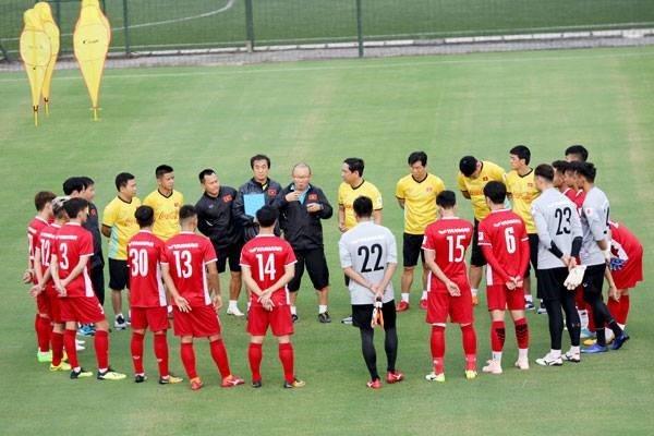 Thầy Park nhận tin vui từ V-League, thêm thời gian cho ĐT Việt Nam chuẩn bị đấu Malaysia - Bóng Đá