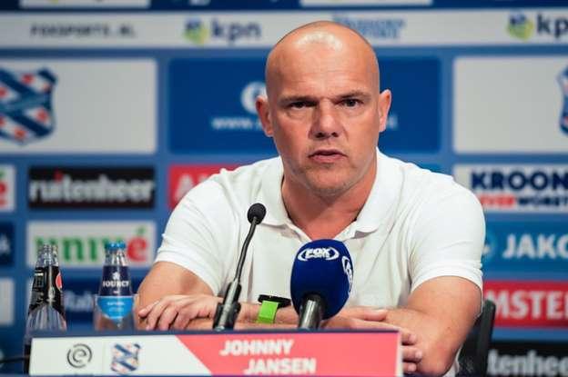 Ngó lơ Đoàn Văn Hậu, HLV SC Heerenveen bật mí đội hình ra sân tại vòng 9 - Bóng Đá