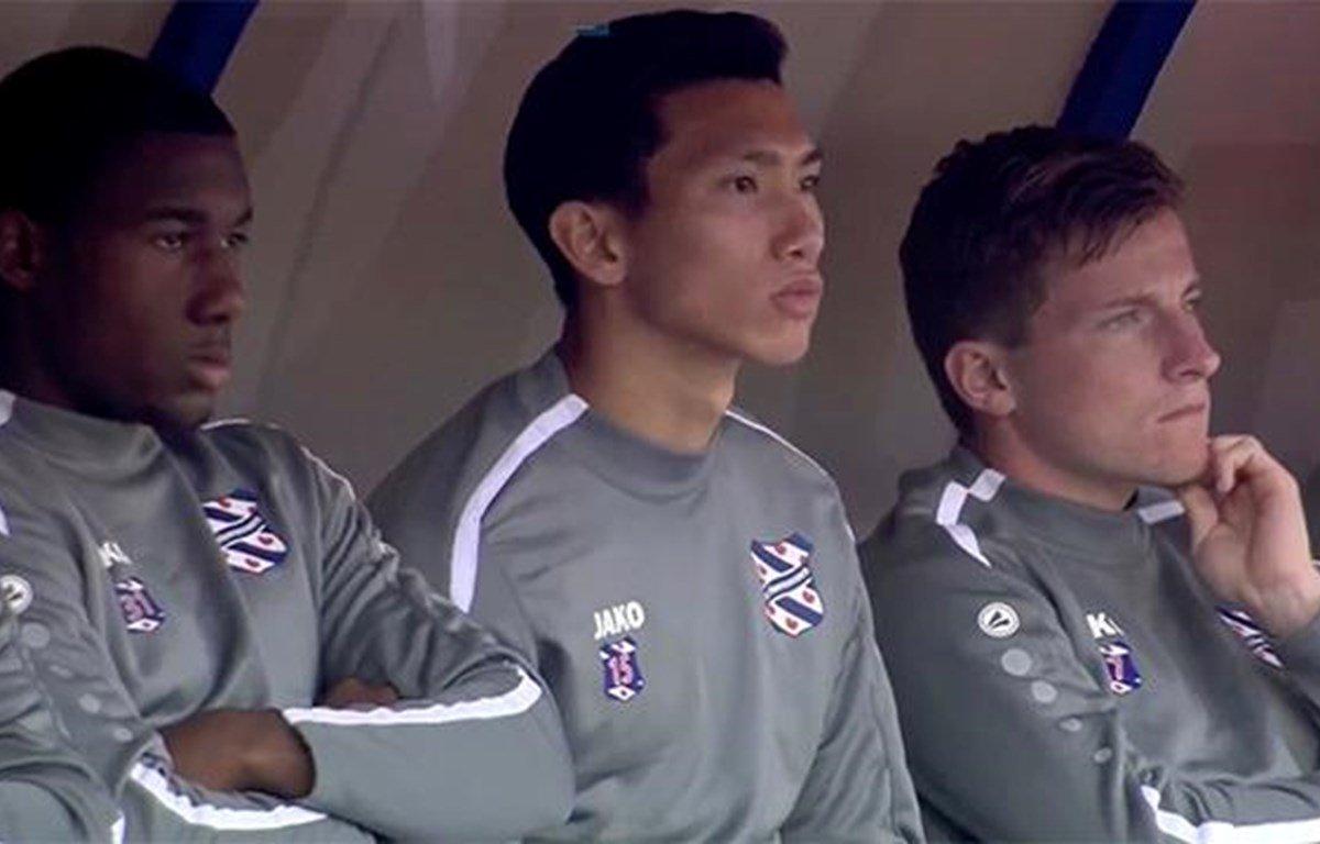 Đoàn Văn Hậu tiếp tục dự bị trong ngày Heerenveen thắng sát nút Zwolle - Bóng Đá