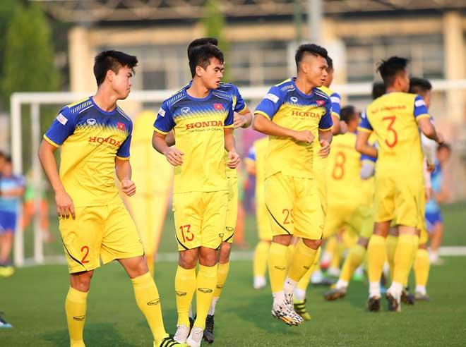 CHÍNH THỨC: HLV Park Hang-seo loại 2 cái tên, chốt danh sách 23 cầu thủ đấu Malaysia - Bóng Đá
