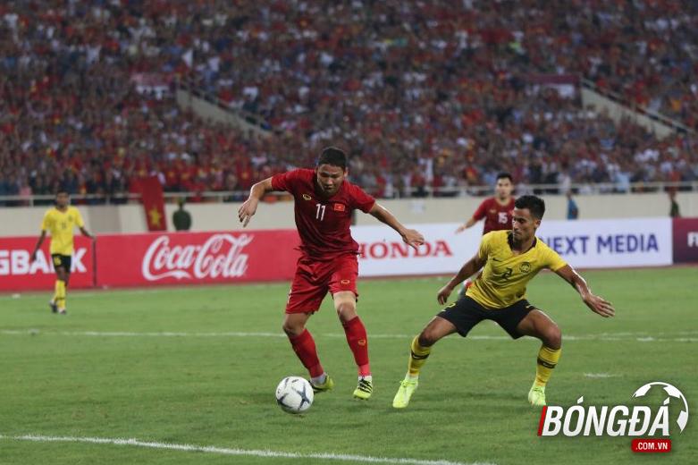 TRỰC TIẾP Việt Nam 1-0 Malaysia (Hiệp 2): Anh Đức bỏ lỡ cơ hội mười mươi - Bóng Đá