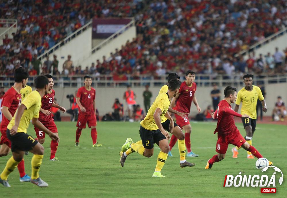 TRỰC TIẾP Việt Nam 1-0 Malaysia (Hiệp 2): Đội khách tiếp tục ép sân - Bóng Đá