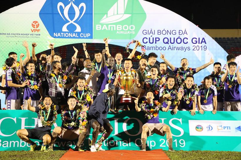 Báo châu Á thán phục 1 điều ở CLB Hà Nội sau khi đăng quang tại Cúp QG - Bóng Đá