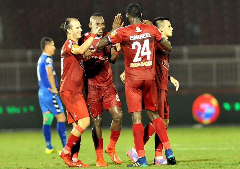 CHÍNH THỨC: Á quân V-League chia tay 3 công thần, chờ thay máu hướng tới sân chơi châu lục? - Bóng Đá