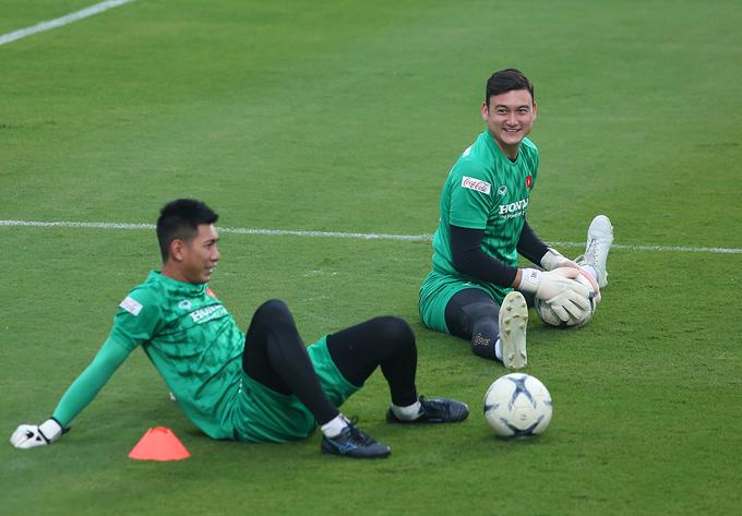 CHÍNH THỨC: HLV Park Hang-seo công bố danh sách 25 cầu thủ ĐT Việt Nam dự trận UAE, Thái Lan - Bóng Đá