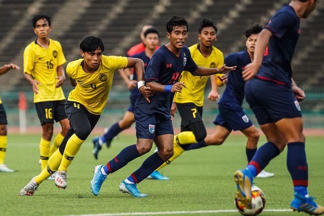 U19 Thái Lan bất ngờ bị loại, HLV trưởng đau đớn làm 1 điều - Bóng Đá