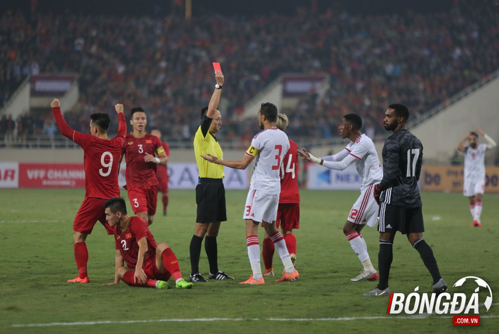 TRỰC TIẾP Việt Nam 1-0 UAE (Hiệp 1): Tiến Linh mở tỷ số - Bóng Đá