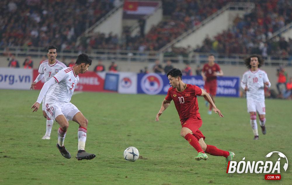 TRỰC TIẾP Việt Nam 1-0 UAE (Hiệp 2): Chủ nhà nắm giữ thế trận - Bóng Đá