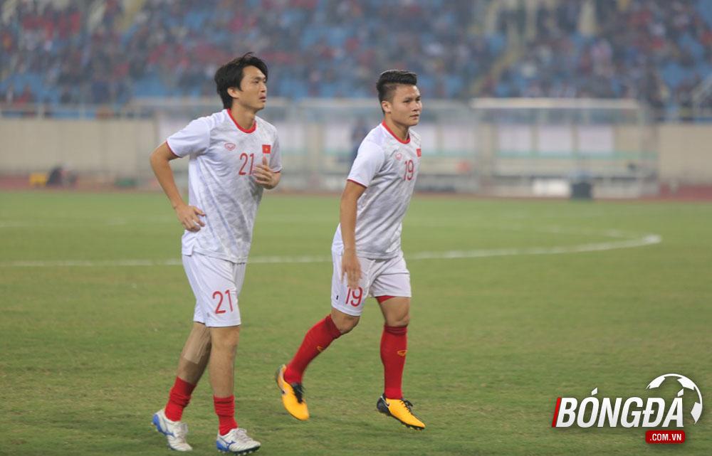 TRỰC TIẾP Việt Nam vs UAE: Tuấn Anh đá chính, Công Phượng dự bị - Bóng Đá