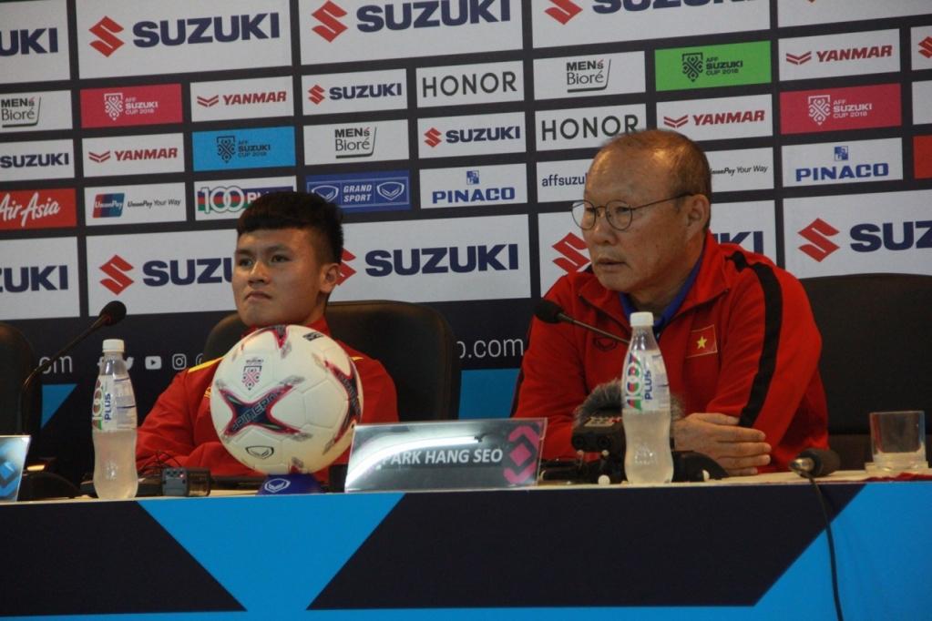 HLV Park Hang-seo và Quang Hải bất ngờ nhận tin vui từ FIFA trước trận gặp UAE - Bóng Đá