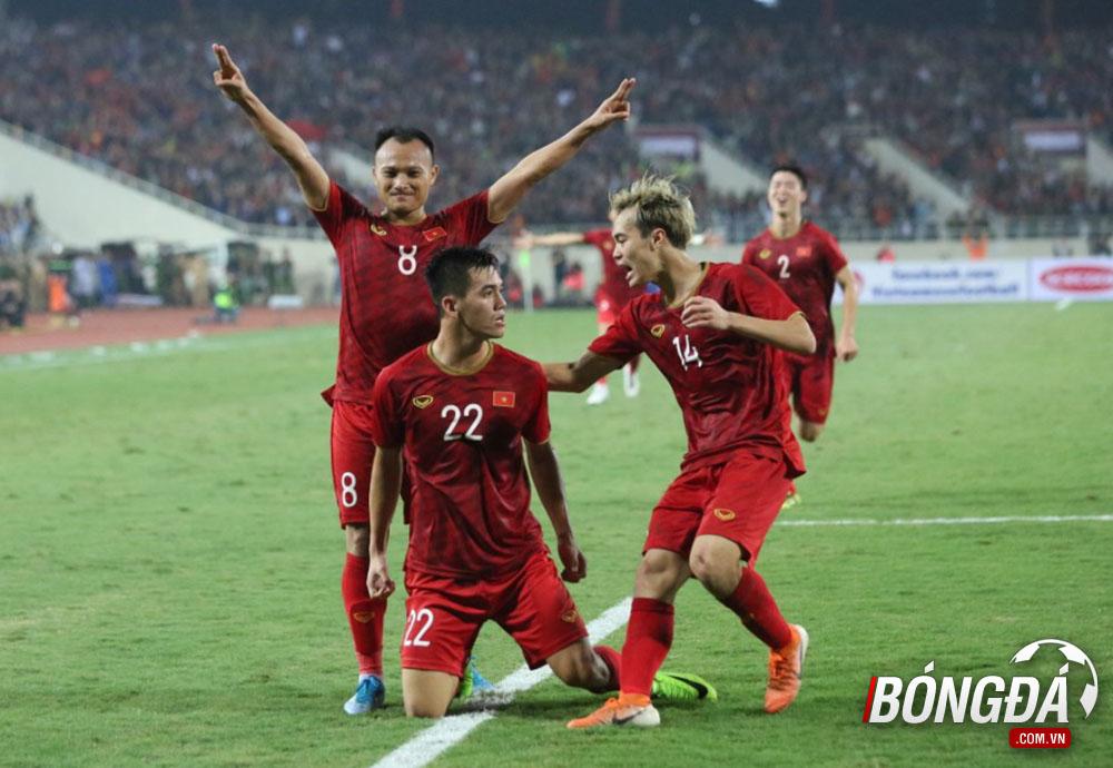 Trang chủ AFC dùng 3 từ để miêu tả bàn thắng của Tiến Linh vào lưới UAE - Bóng Đá