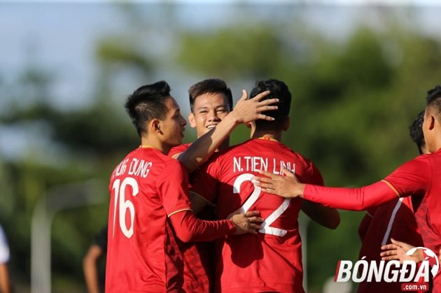 HLV Park Hang-seo có hành động đặc biệt sau trận đại thắng của U22 Việt Nam trước Lào - Bóng Đá