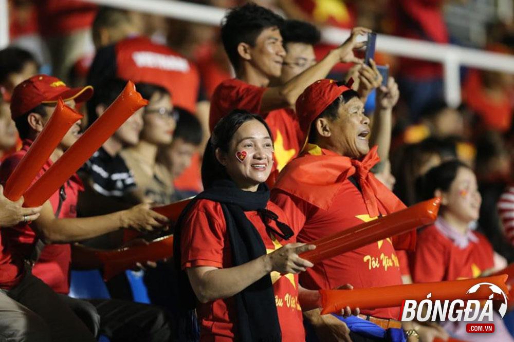 TRỰC TIẾP U22 Việt Nam vs U22 Singapore: Đức Chinh đá chính, Tiến Dũng dự bị - Bóng Đá