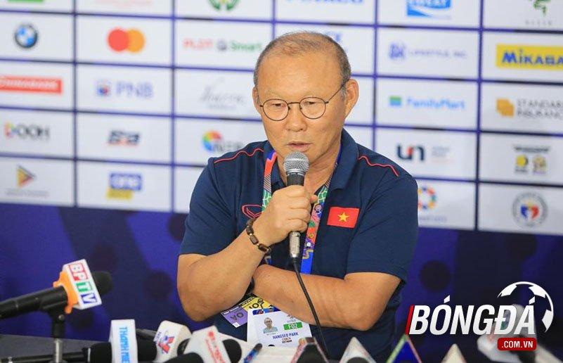 Đây, lý do HLV Park Hang-seo nhận thẻ đỏ ở trận Chung kết SEA Games - Bóng Đá