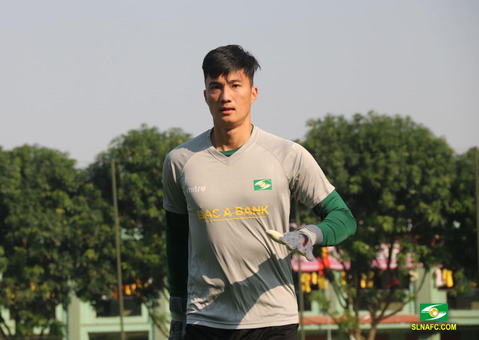 CHÍNH THỨC: Mất Nguyên Mạnh, SLNA cựu sao U23 Việt Nam về trấn giữ khung thành - Bóng Đá
