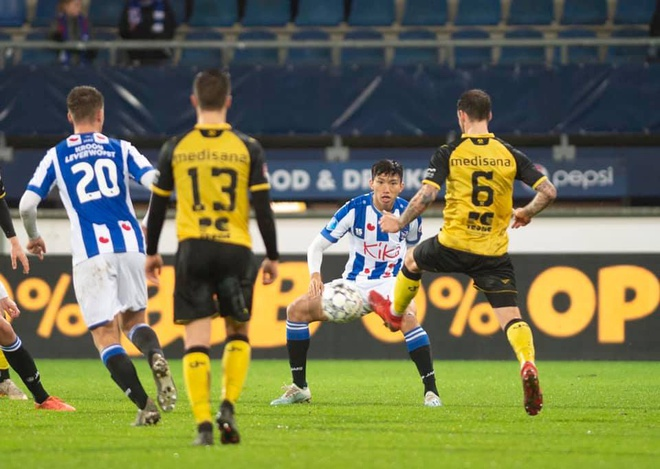 Đoàn Văn Hậu vạm vỡ như Ronaldo, mở ra cơ hội đá chính tại Heerenveen? - Bóng Đá