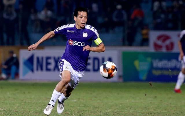 Quang Hải tiết lộ khả năng xuất ngoại thi đấu, Văn Quyết chờ thầy Park - Bóng Đá