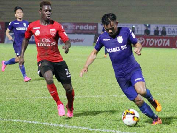 Lee Nguyễn chú ý, V-League không phải mảnh đất lành với cầu thủ gốc Mỹ - Bóng Đá