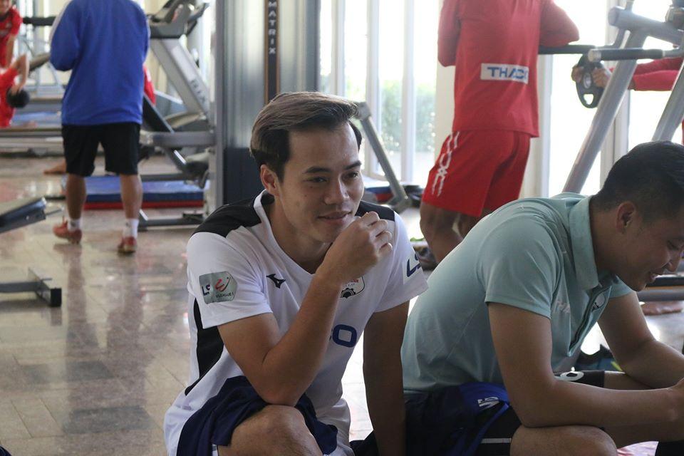 Tuấn Anh, Văn Toàn tươi rói trong ngày HAGL ra mắt áo đấu 2020 - Bóng Đá