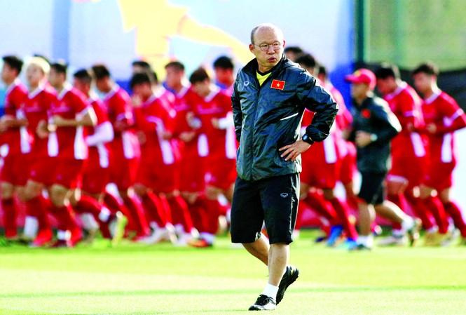 HLV Park Hang-seo chỉ ra đối thủ số 1 của ĐT Việt Nam tại VL World Cup 2020 - Bóng Đá