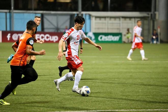 """""""Ronaldo và Messi Việt Nam"""" tung hoàng, CLB TP.HCM bỏ túi 3 điểm tại Singapore - Bóng Đá"""