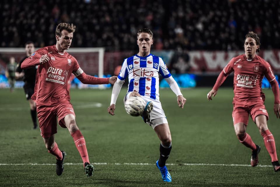 Đoàn Văn Hậu ngồi dự bị trận thứ 19, SC Heerenveen đứt mạch trận bết bát - Bóng Đá
