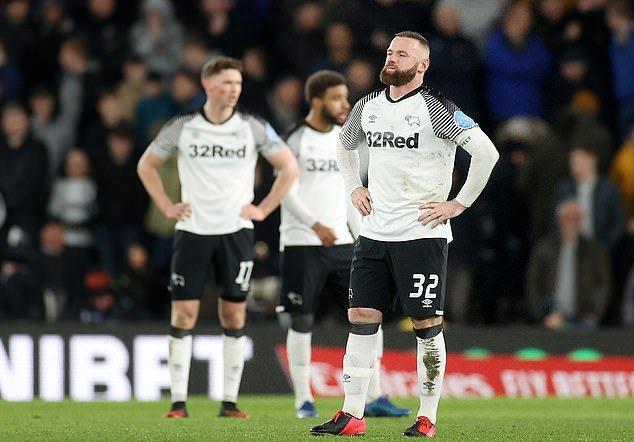 Thua Man Utd, Rooney chỉ thẳng mặt cái tên khiến mình