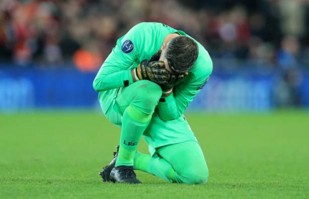 Adrian ngã quỵ, ôm mặt tiếc nuối sau khi vào vai