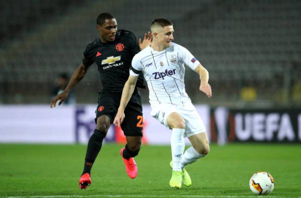 Fan Man Utd: Hãy trao luôn Quả bóng vàng cho cậu ấy! (Odion Ighalo) - Bóng Đá