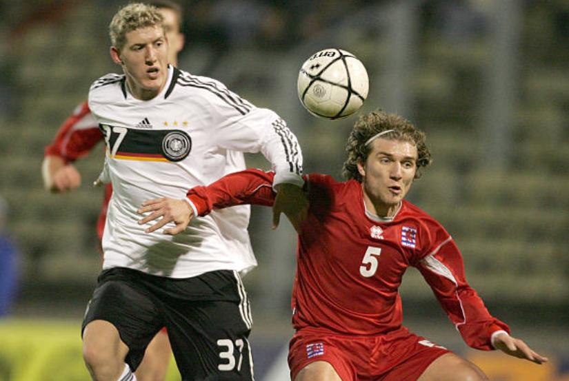 Đồng đội của Ozil, Muller chê V-League chỉ ngang tầm giải hạng 5 Đức - Bóng Đá