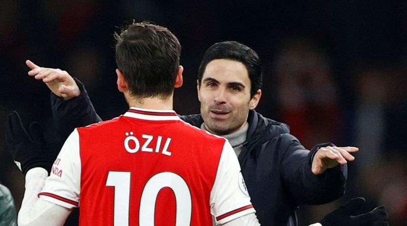 Cựu sao Arsenal: HLV Arteta nên